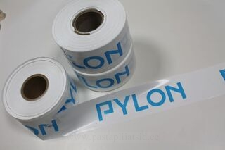 Piirdelint logoga Pylon