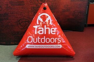 Tahe Outdoors logoga poid